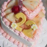 「ハートの2段ケーキ」オーダーメードケーキです!