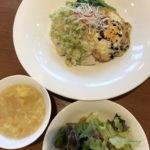 今週のランチセットは「エビと季節野菜の青のり炒め」「屋台風蒸し鶏ネギソース丼」です!